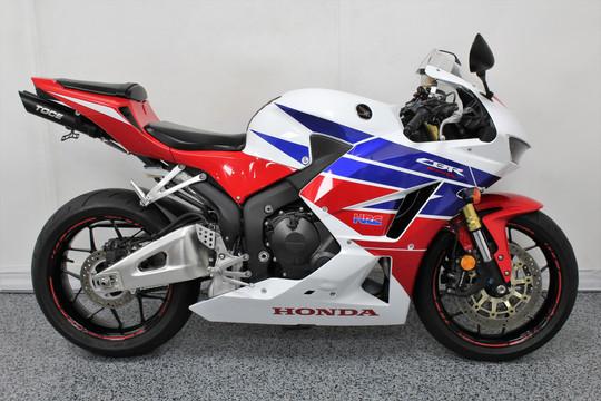 2014 Honda CBR600RR - $7999