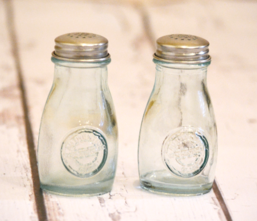 Salt & Pepper Shaker Set - Vintage