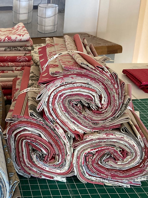 20 piece red/grey Fat Quarter Bundle