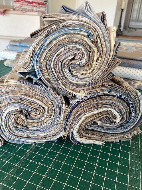 20 piece blue/grey Fat Quarter Bundle