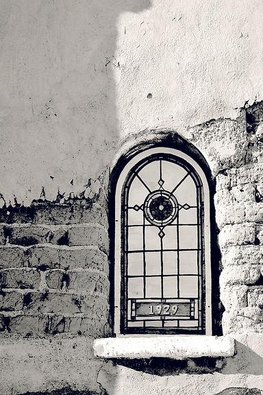 LAMY WINDOW BW.jpg