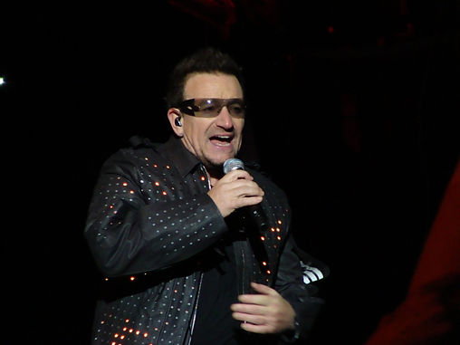 paul_david_hewson_singer_bono_u2_man_per