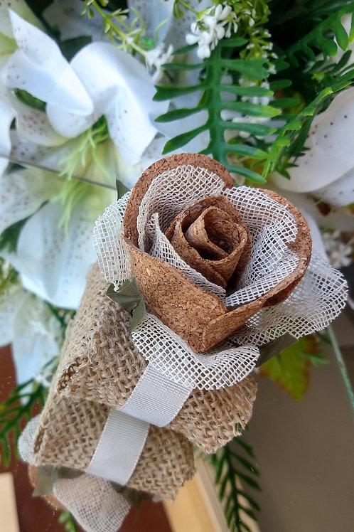 (20 unidades) Porta bem casados em juta com flor de cortiça