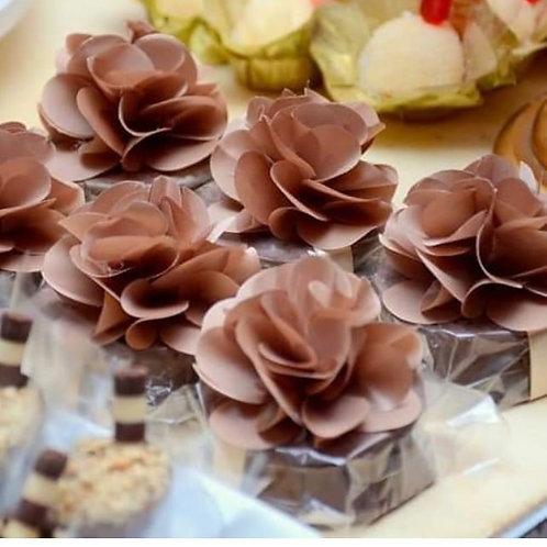 (25 unidades) topos para bem casados, alfajor, palha italiana e brownie