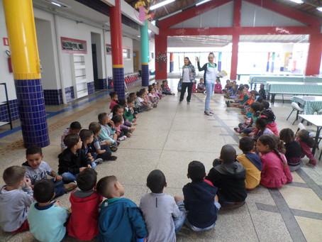 Festa para as crianças no CEDUC do bairro Monte Hebrom