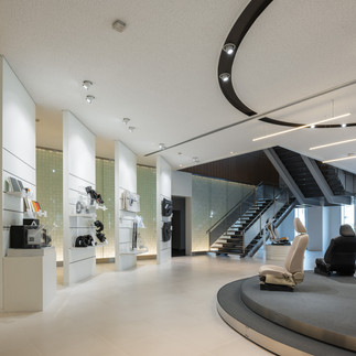 Showroom and Retail