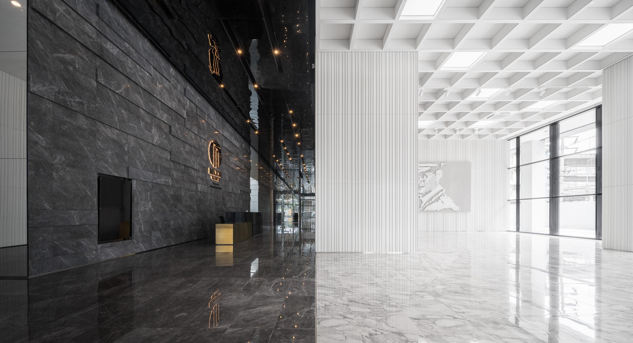 Metris RAMA IX Office Building