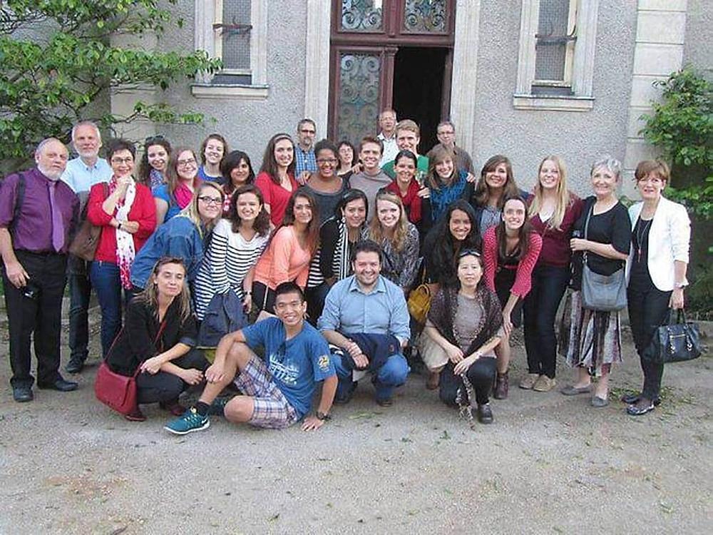 Les étudiants ont visité le Château de la Roche avec M. Loury, le nouveau propriétaire des lieux.