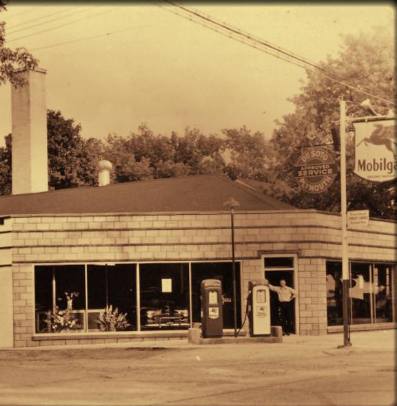 1401 Main St Union Grove, WI Martin's Garage c. 1948