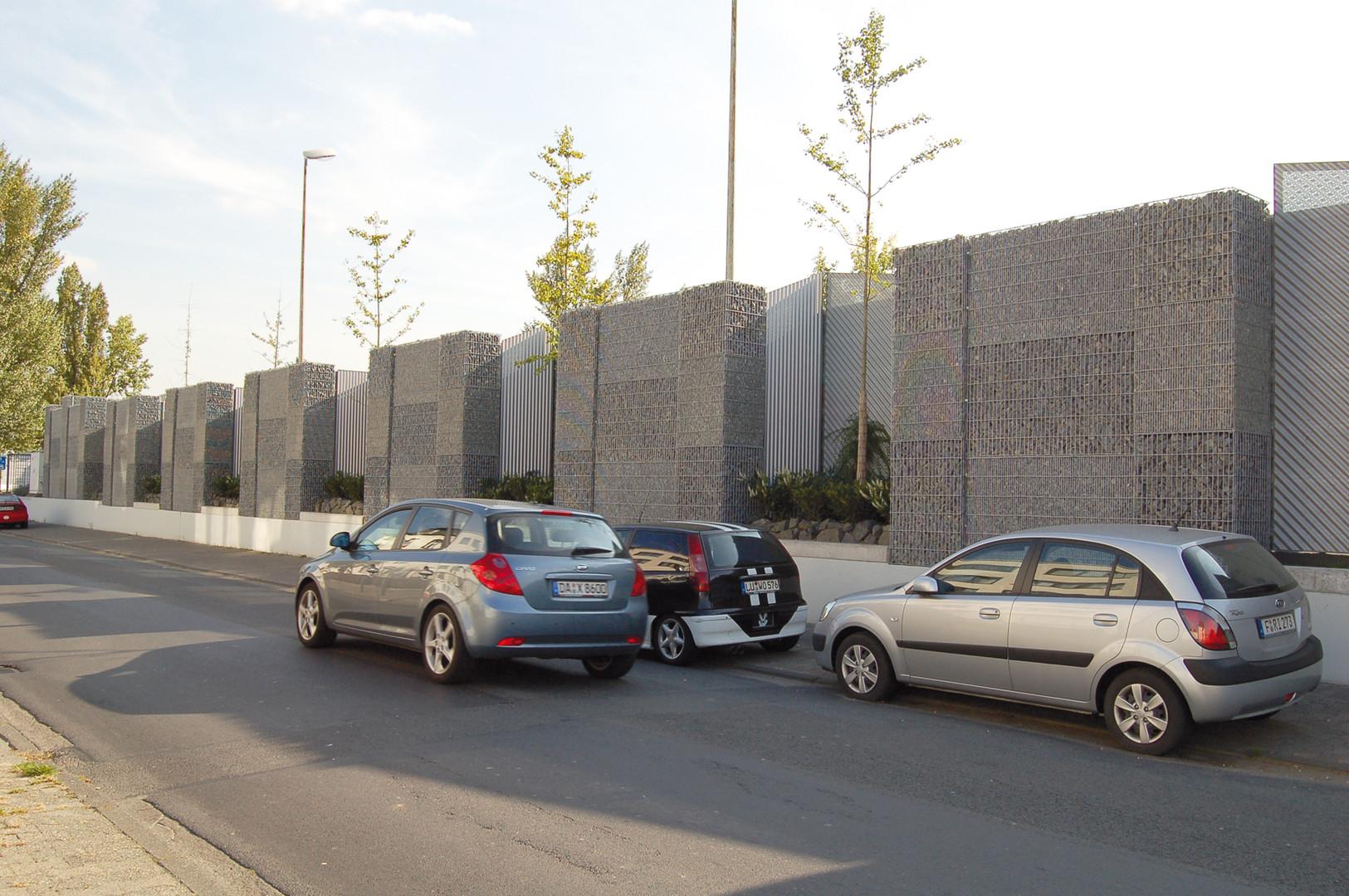 Kombinera Bullerskydd och Växter i Urban Miljö
