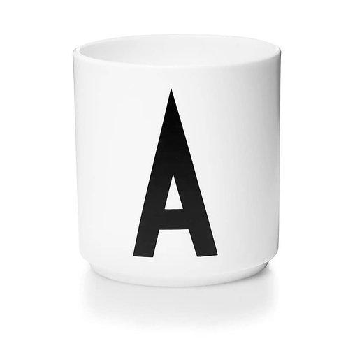 Porzellan Tasse Alphabet weiß
