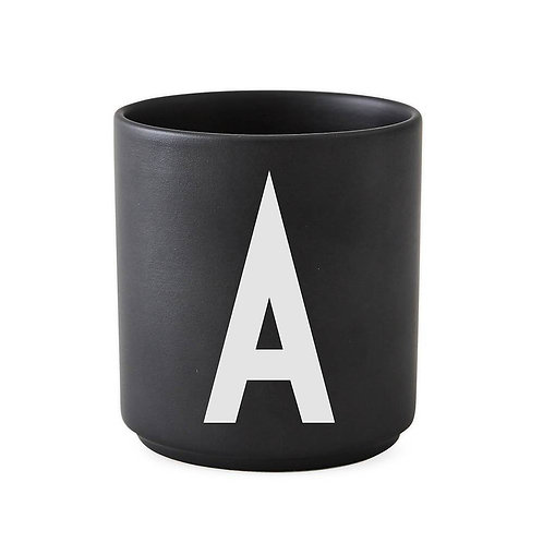 Porzellan Tasse Alphabet schwarz