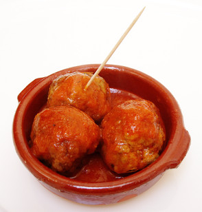 Spanish beef, garlic & parsley meatballs - albondigas
