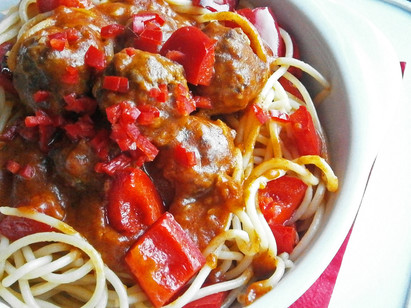 Pork, paprika, peppers & chilli meatballs