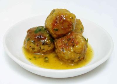 'Sunday leftover roast' chicken meatballs in white white gravy