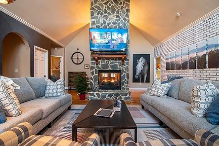 204 Living Room 1.jpg