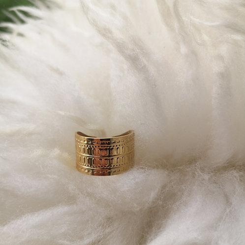 Bague large plaquée or, motifs ciselés