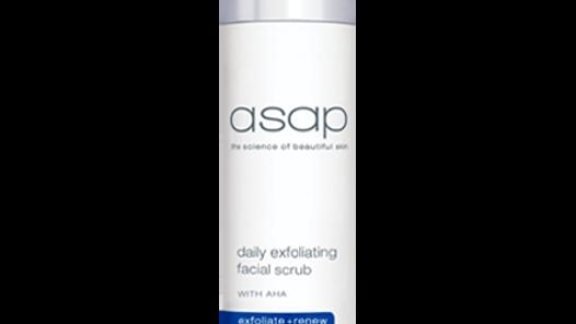 Daily exfoliating facial scrub