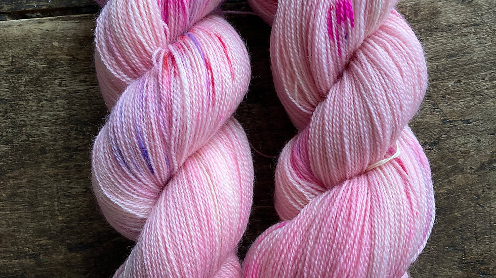 Lace Weight Merino Superwash: Glenan