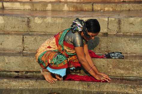 Washing Clothes at Ganges