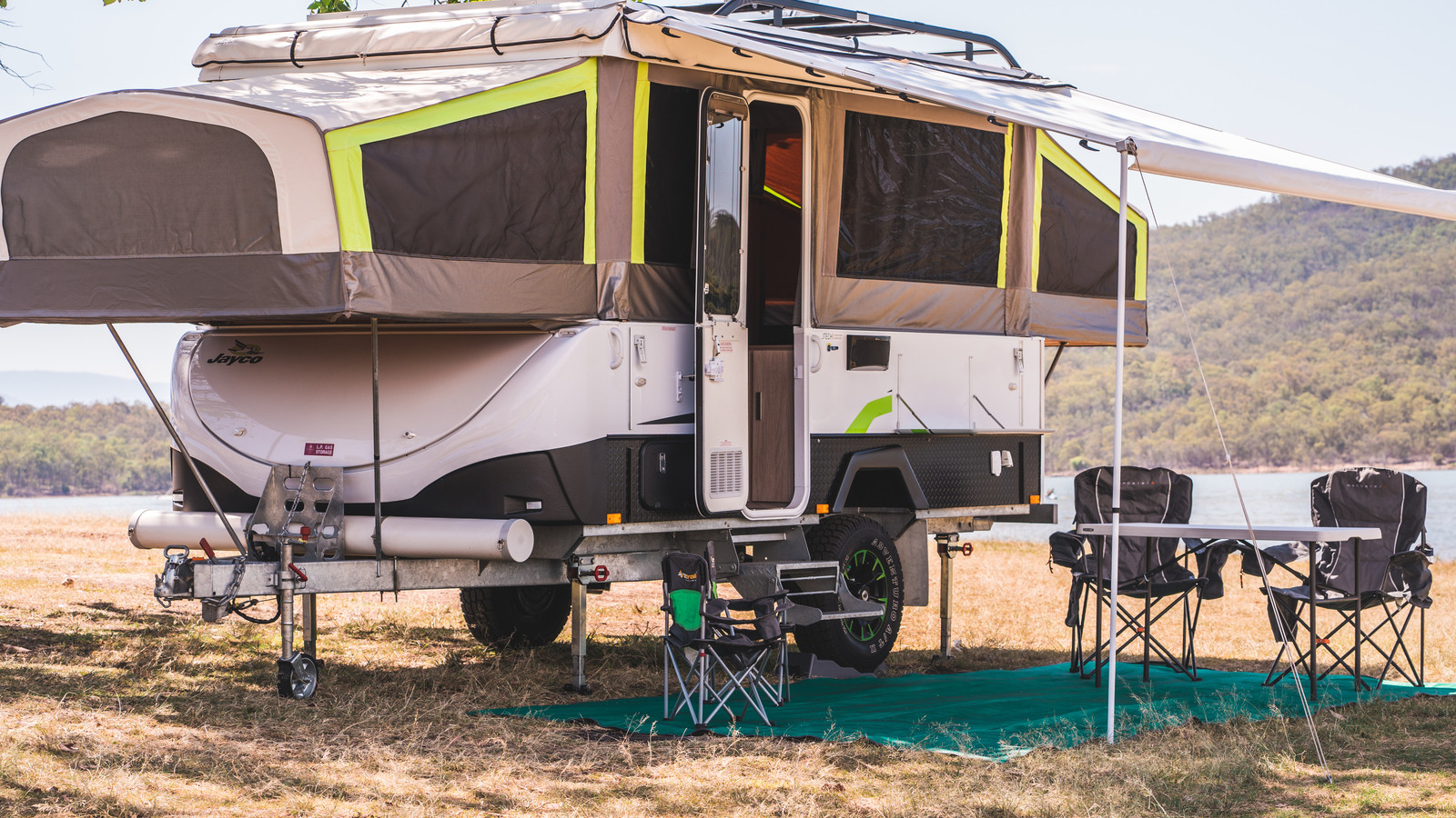 Jayco Swan outback for hire brisbane
