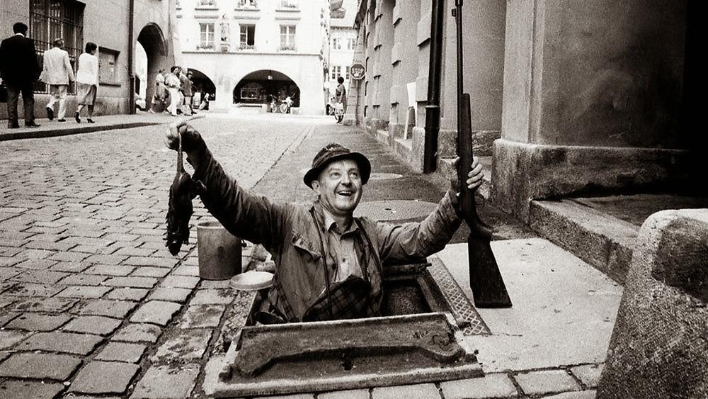 Профессиональный охотник на крыс в Лондонской канализации. 1900 год