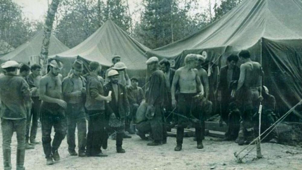 Строительство поселка Стрежевой в Томской области, 1969 г. Источник: tomsk.ru