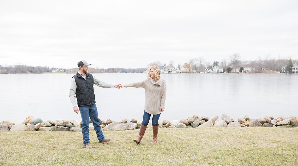 Michigan Christmas Engagement Session