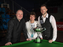 SnookerGala_Trump_Higgins_MG-9817.jpg