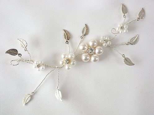 Silver Hair Vine with Pearl Flowers