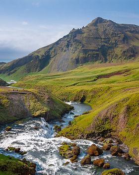 Montaña y río