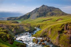 Berg und Fluss