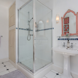 Bathroom, 15 Market Square, B&B, Kirkby