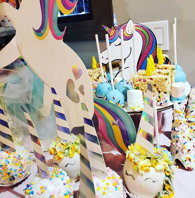 #unicorn sweets table all made by Eat Mo