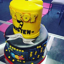 Nom nom nom Pac Man  Vanilla bean cake w