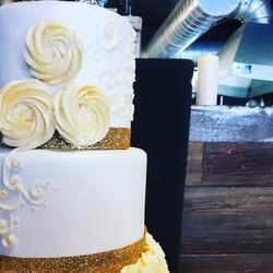 Gold and white wedding magic