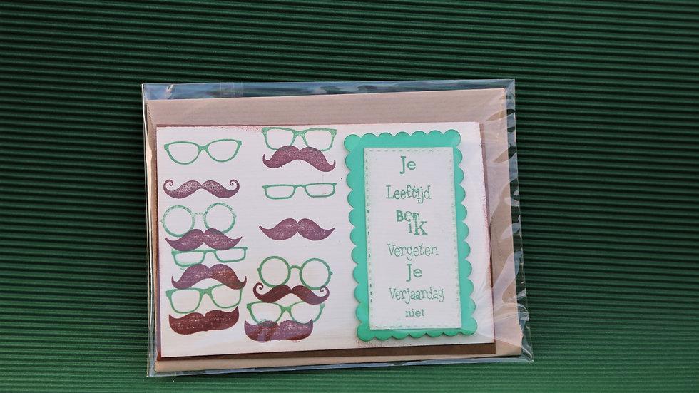 Verjaardagskaart snor en bril