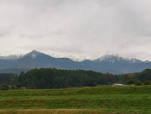 八ヶ岳が初冠雪