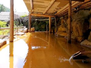 巨石露天風呂(金泉)の改修工事、完了いたしました