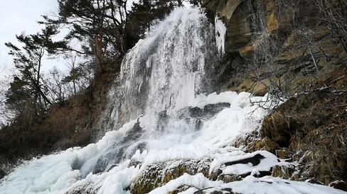 冬の乙女滝