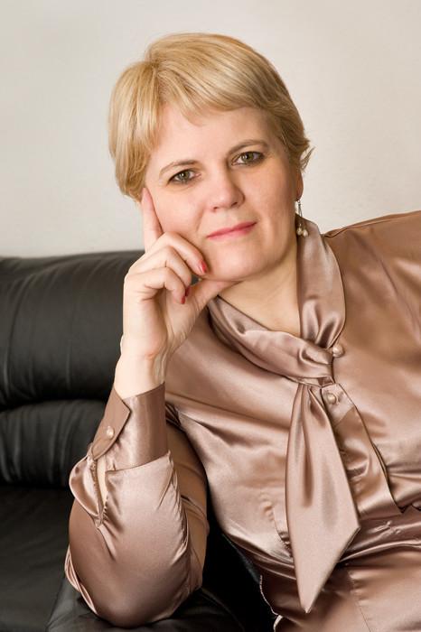 dr. Regász Mária