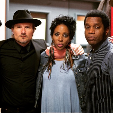 Paige With Vintage Trouble and Shakura S'aida