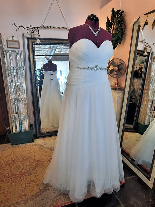 Dress 2212 Label Size 24 Fits 24