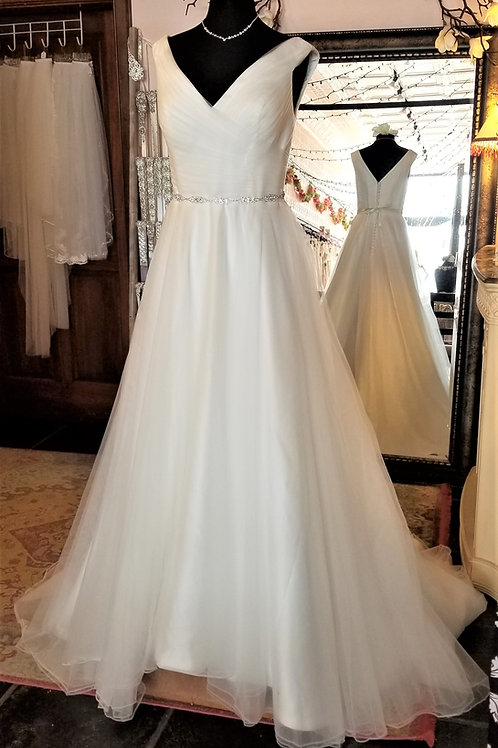 Dress 1700-18Label size 18 Fits 18