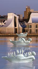 Fotomontage af Life-boats modeller 1:5 foran Utzon Center, Aalborg, Danmark
