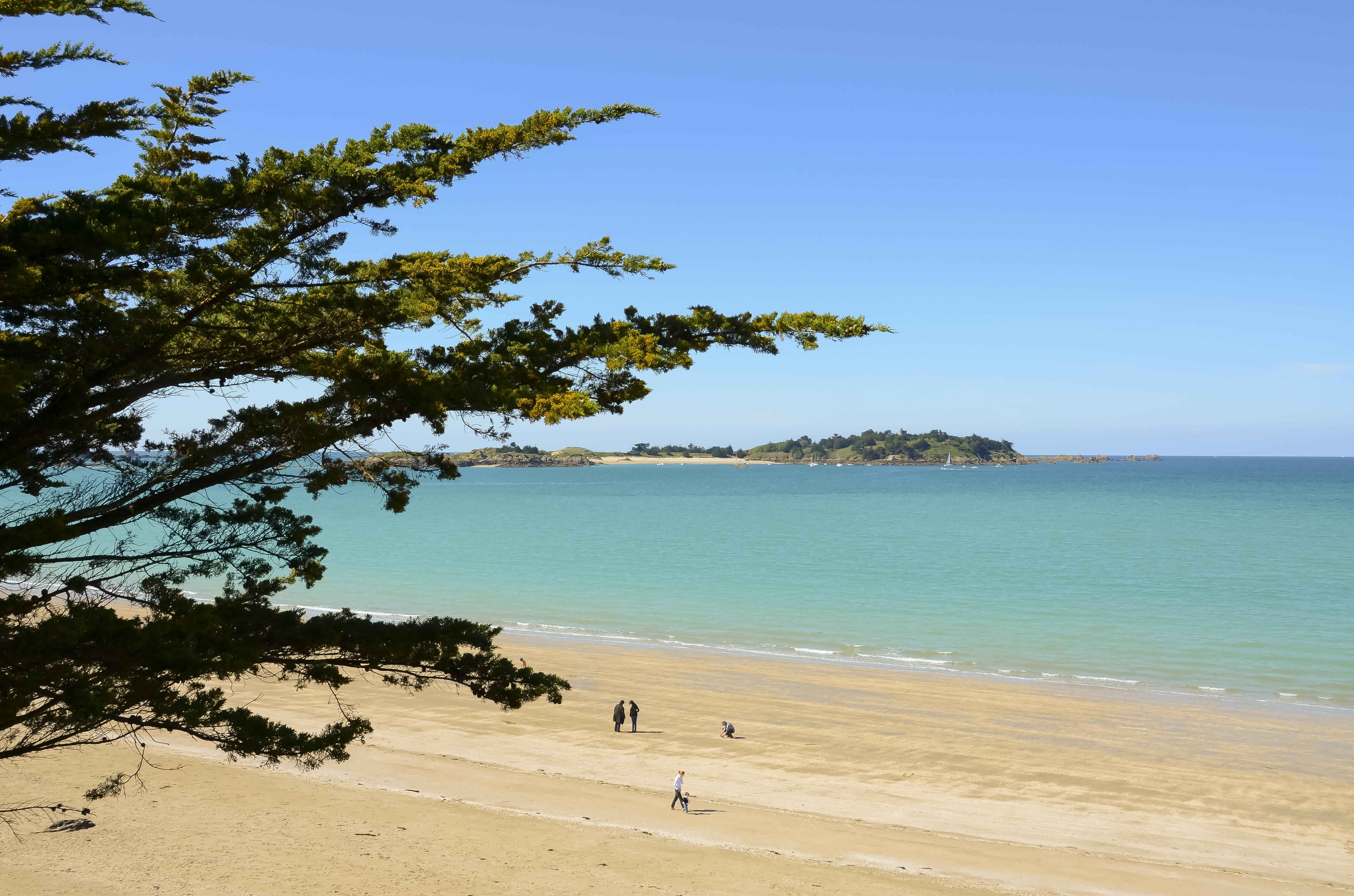 Visita la costa esmeralda con bici