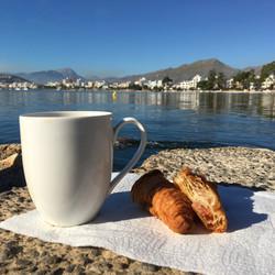 Breakfast at the beach
