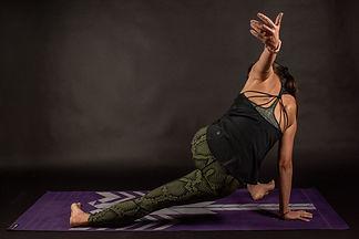 Yoga pose 003.jpg