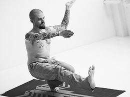 Gordon Carpenter toe squat