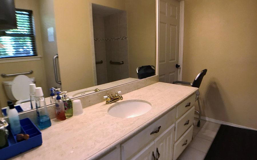 bathroom 2 .jpeg